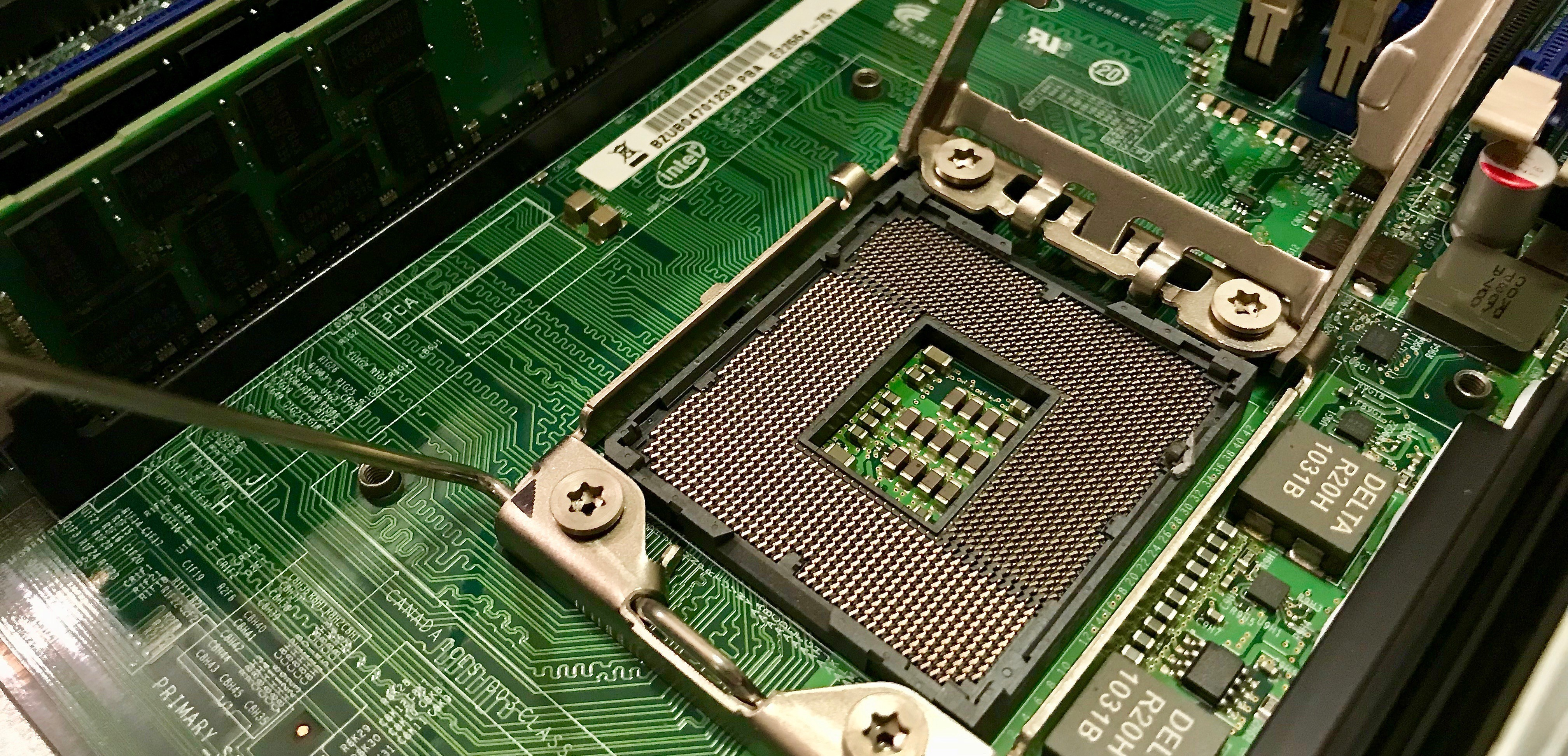 Intel Xeon L5640 and L5630 vs X5570 and X5550 Performance and Power